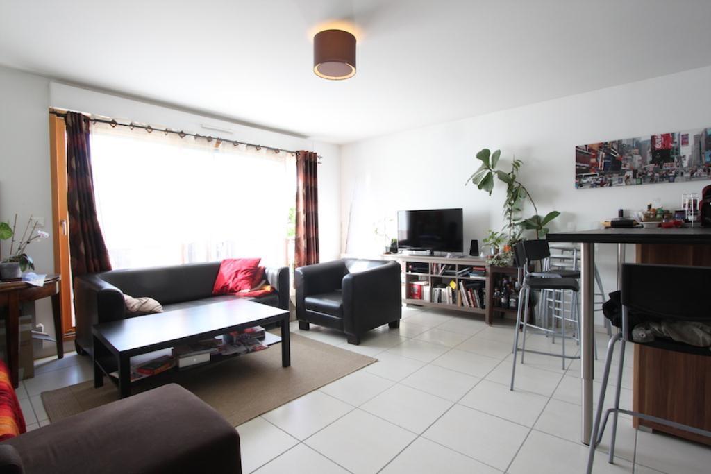 annonce location appartement champagne au mont d 39 or 69410 68 m 807 992737401756. Black Bedroom Furniture Sets. Home Design Ideas