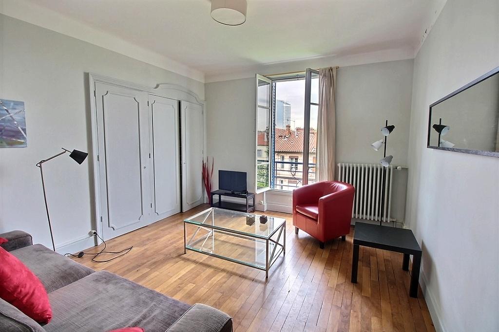 annonce location appartement lyon 6 72 m 1 200 992737322656. Black Bedroom Furniture Sets. Home Design Ideas